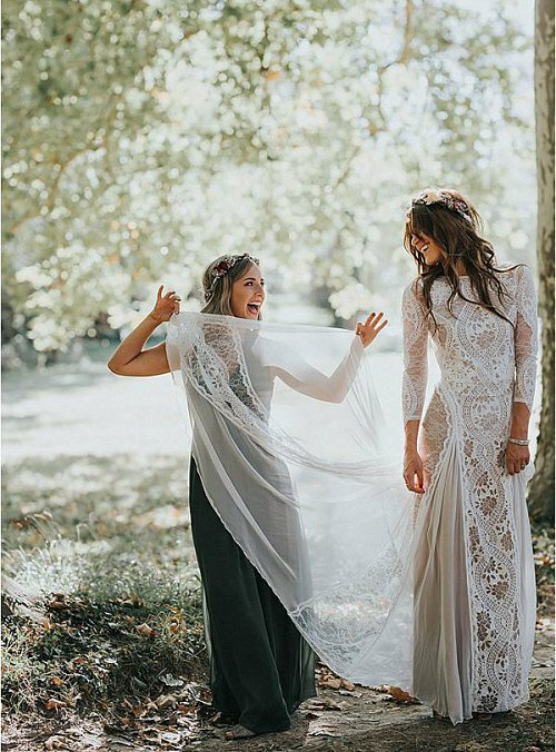 Bohemian-wedding-gown-at-Scottish-weddin